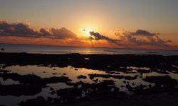 瀬長島 – 沖縄・那覇空港 周辺のオススメ夕日スポット! 夕日と海と飛行機の幻想的な風景をぜひ