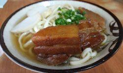 きしもと食堂 – 本部町の老舗沖縄そば! 芸能人も訪れる並んでも食べたい超有名店のススメ