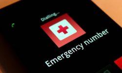 [Android] スマートフォンのロック画面に表示される緊急通報を消して誤タップを防止する方法