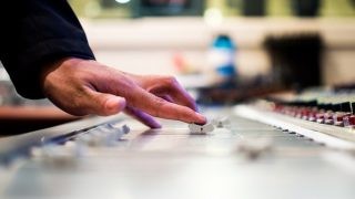 アプリ終了時にミュージック再生を自動化! 特定条件で音楽開始/終了のマクロを設定 [Android]