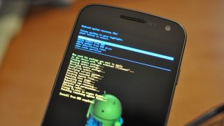 [Android] 強制的に再起動する方法まとめ! 強制終了で電源を落とす [Xperia/Galaxy/Nexus]