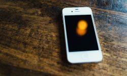 [iOS] 電源ボタンが壊れて反応しないiPhoneを修理せず使う活用方法! [画面オンオフ/スクショ撮影]