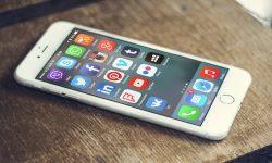 [iOS] iPhoneでホーム画面上のアプリをまとめて移動する方法! 複数アイコンを同時に動かそう